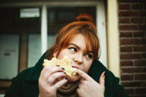 Trastorno por atracon Causas y síntomas